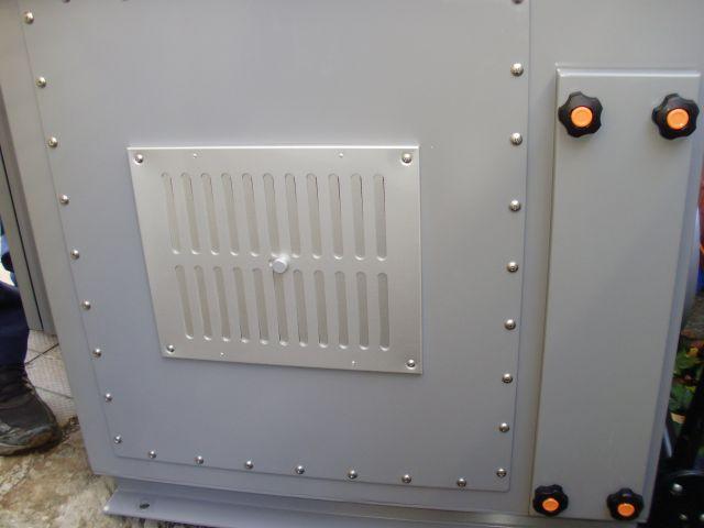 活性炭脱臭装置「デオキーパー」設置途中