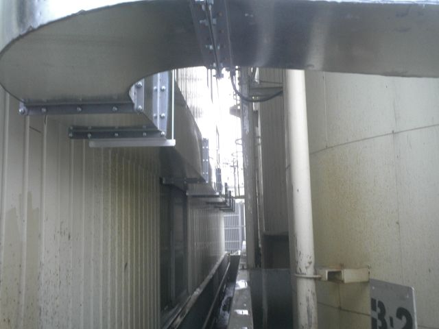 対象臭気や排気風量、設置スペース等を考慮して設計・設置