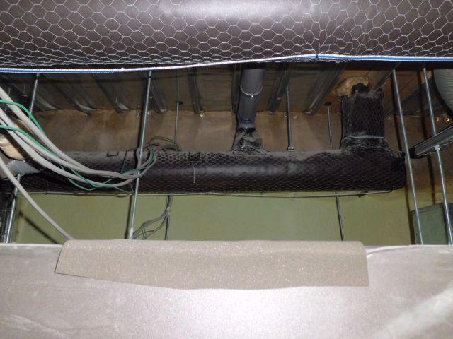 天井裏等ではわずかに汚水・下水系の悪臭