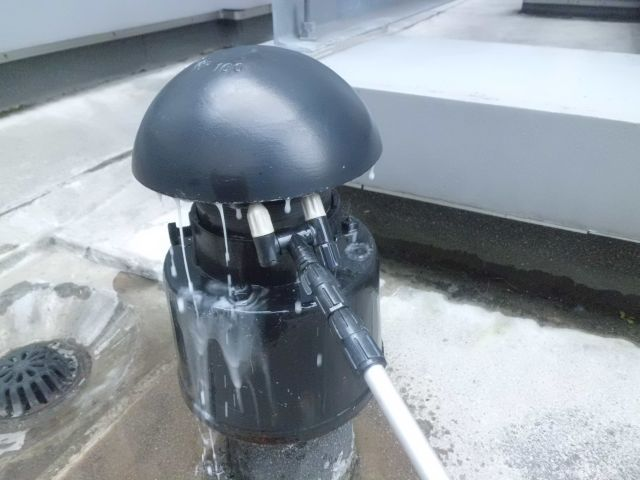 怪しい配管の漏洩箇所の可能性を潰していく