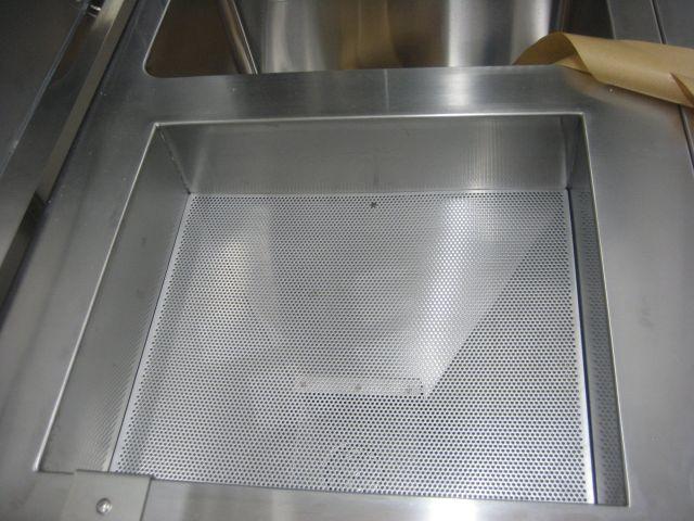 局所排気装置付き切出しテーブル
