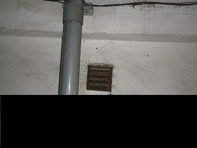 ビルの地下や屋上、外回りにまで調査範囲を広げた