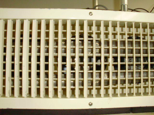 酸素クラスター除菌脱臭装置を導入